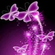 helderziende Shiloh- Als krachtig, hoogbewust medium, lichtwerker en lichtdrager ben ik een met mijn hogere zelf en ziel en in partnerschap verbonden met aartsengelen, lichtmeesters en -wezens, met Gaia en met de Bron. Ik ben heldervoelend, helderhorend, helderwetend, helderziend, telepathisch begaafd. Zeer hoogsensitief, intuitief en empathisch. Ik geef veelzijdig spiritueel advies en inzicht. Naast en vanuit affiniteit en ervaring met spirituele dieptepsychologie screen ik de psyche, belicht het onbewuste en zie het innerlijke wezen van mensen  en dieren. En duid dit spiritueel aangaande relaties, persoonlijkheidsproblematieken, bewustwording, kinderen, jongeren, opvoeding.  Verder ben ik naast nieuwetijdscoach ook mezelf als sjamaan, paardenfluisteraar en dierentelepaat.  En last but not least: angels and demons. Mijn lichtwerk omvat ghostbusting in de innerlijke en uiterlijke wereld: innerlijke demonen, persoonlijkheidsproblematieken en gevoeligheden, negativiteit, energetische storingen en problemen, entiteiten, huizenreinigingen.   Ik ben er voor mens en dier op de steeds persoonlijk gepaste manier, in zuiverheid en waarheid, met hart, en vanuit mijn Ziel. 4 minuten gratis consult met onze helderzienden bij eerste kredietoplading. Helderziende hulplijn waar een helderziende  je   inzicht en    antwoord geeft. Bij aanmaak van een gratis account, ontvangt u 4 gratis minuten bij eerste kredietoplading om   te bellen met een   helderziende.